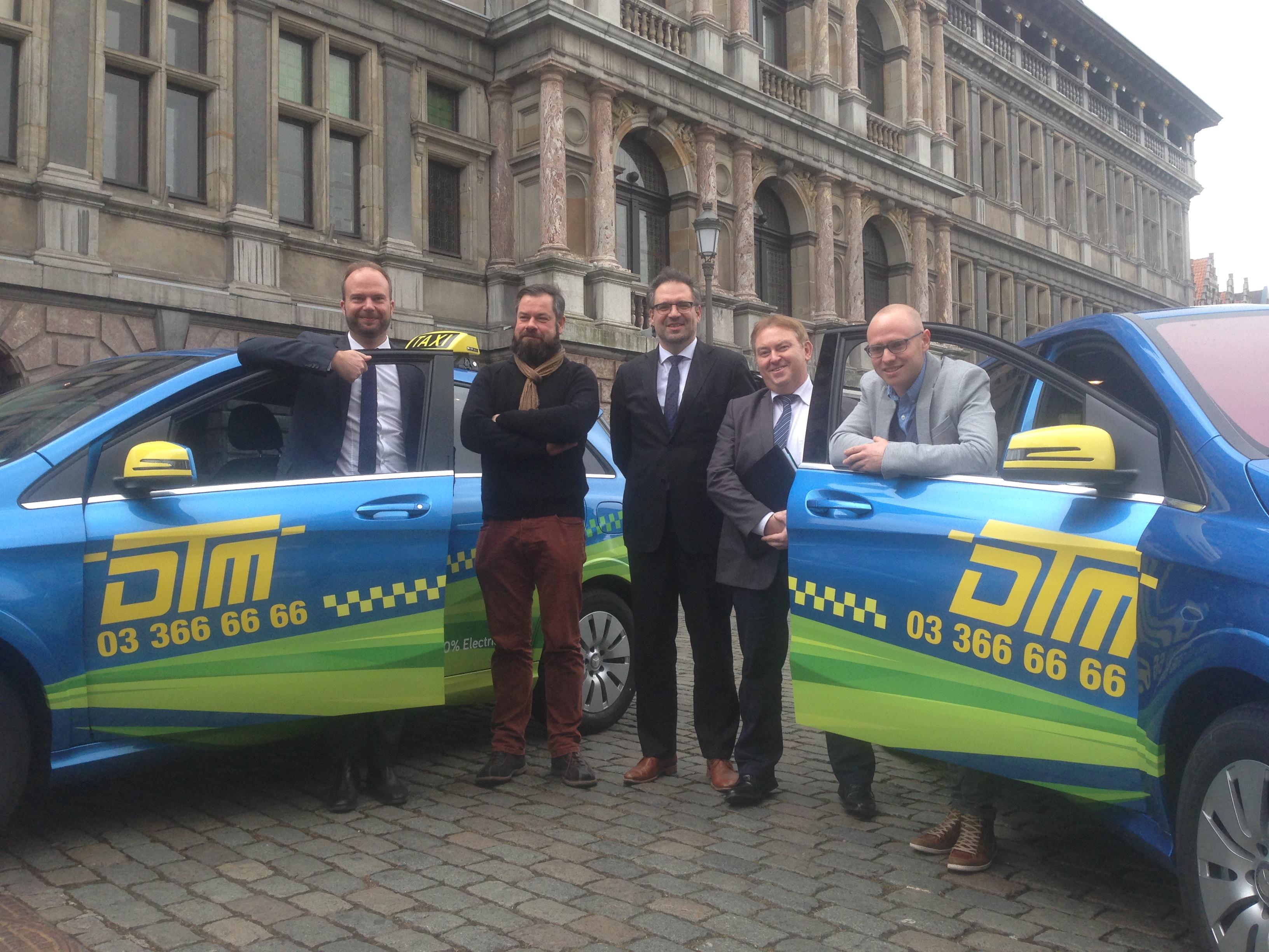 DTM stelt eerste elektrische taxi